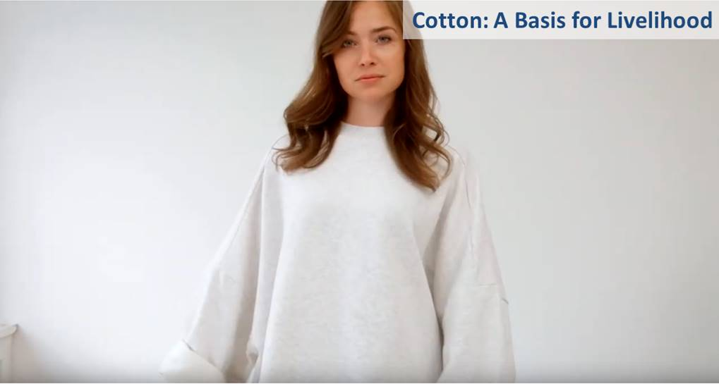 """Around 26 million tonnes of cotton are produced every year. Worldwide, approximately 150 million people are involved in its production and further processing, including seven million smallholders. As a so-called """"cash crop"""", it supplements food cultivation and generates income. The soil is protected by crop rotation."""